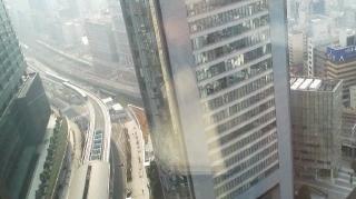 ロイヤルパーク・窓から.JPG